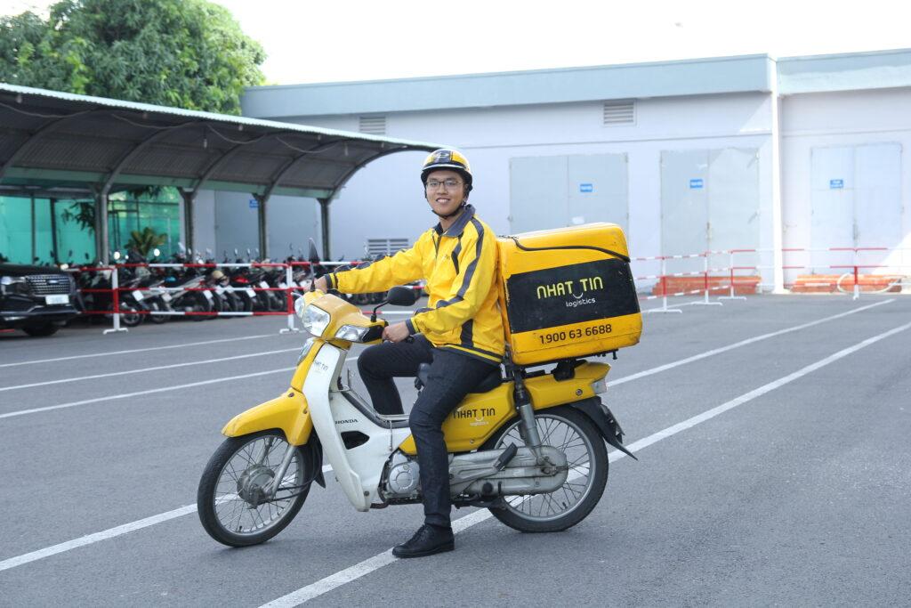 dịch vụ chuyển phát nhanh trong nước Nhất Tín